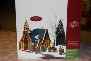 DEPT 56 CHRISTMAS IN THE CITY, CHURCH OF THE HOLY LIGHT