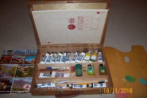 REEVES vintage paint set for sale.