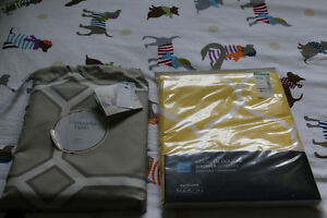 *** BRAND NEW ** SIMONS SHOWER CURTAINS  ( 2 AVAILABLE ) READ