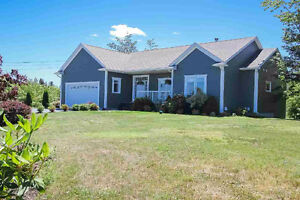 PORTERS LAKE - BEAUTIFUL 5 BED/3 BATH HOME with POOL!
