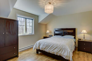 4bdr, 2.5bath Quiet & Private Residential Area West Island Greater Montréal image 10