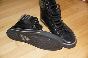 Black high sneakers, leather, size 8, Dereon West Island Greater Montréal image 2