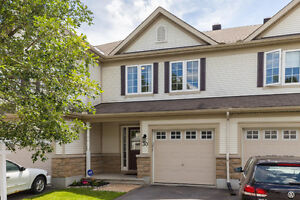 Beautiful Townhome - Amazing Location - Great Price!