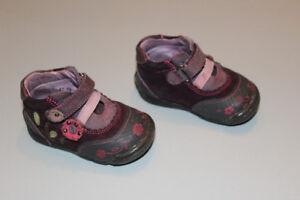 Souliers / bottines, grandeur 19 ou 3, bébé