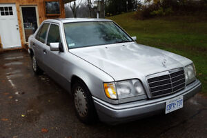 1995 Mercedes W124 - 320E with 121000 miles + parts car