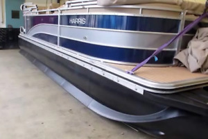 The New Generation of Pontoon Boat - Tubes :