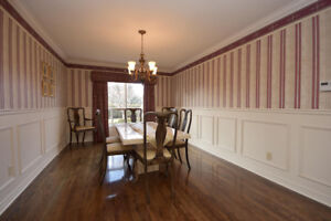 MARBLE DINING TABLE & 8 QUEEN ANNE CHAIRS