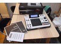 AKAI mpc2500 special edition - sequencer/sampler machine