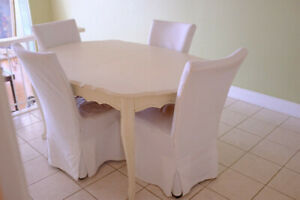 French Provincial Style Dining Room Table + 4 chairs