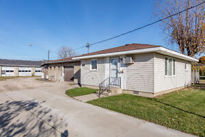 Approx. 5 acres, 2 homes, 2 shops in Beautiful Amherstburg! Windsor Region Ontario image 7