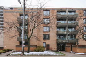 Spacious 2 bed 1 bath Condo in Billings Bridge!