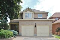 Wonderful 4 BED/3 BATH Home in Sought After Centrepointe!!!
