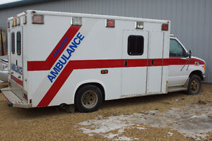 2002 Ford E-350 Ambulance Other Strathcona County Edmonton Area image 1