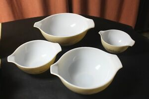 "Set of 4 Pyrex ""Forest Fancies"" Cinderella Nesting Mixing Bowls. Kingston Kingston Area image 3"