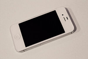 Nearly New Apple No Contract iPhone 4s - 16GB – White – 9/10 Stratford Kitchener Area image 3