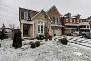 4 bed Home for rent in Ajax ** Available NOW !