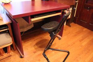 Crank up computer desk and stool. Belleville Belleville Area image 5