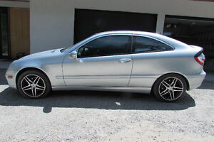 2005 Mercedes-Benz C-Class Sport 3.2L Coupe (2 door)