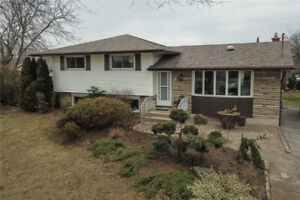 *NEW LISTING* Newly Renovated 5-Bdrm St Catharines Side-Split