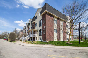 Condo Town house close to amenities & University of Guelph