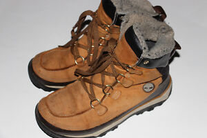 TIMBERLAND-BOTTES/BOOTS-10 TAILLE/SIZE (VALEUR/VALUE 190$)