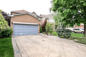 Beautiful Luxurious House in Desired Area of Brampton for Sale
