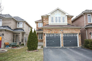 Beautiful 3bdr-Detached Home In Lisgar Area!@@!
