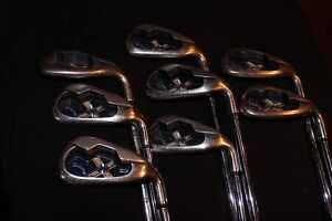 Men's right-handed golf clubs