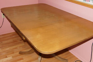 VINTADE DUNCAN PHYFE DINING TABLE & 4 CHAIRS