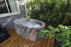 City Escape Hot Tub for 2 - 75mins South of Calgary $110/night