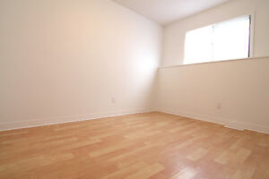 ROOM FOR RENT in Eastwood (Includes Heat, Water & Power).