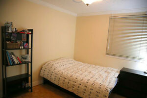 Private Room in Fully Furnished Apartment in West End Downtown-West End Greater Vancouver Area image 2