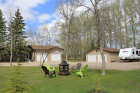 Modern Country Living only 2 miles outside of Oakbank!