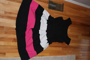 Clothing from Ricki's Sizes 4-6 s/m 30$