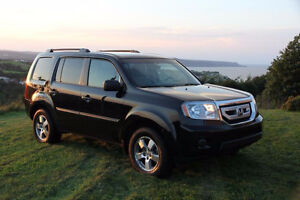 2011 Honda Pilot - LOW KMs.  8 seats