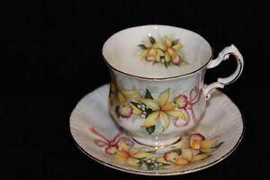 TEA CUPS - VINTAGE