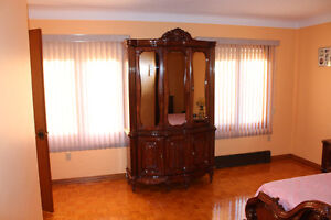 French Provincial Bedroom Set - Mint condition