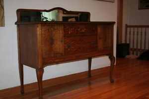 Beautiful Antique Tiger-Oak Buffet with Back Mirror