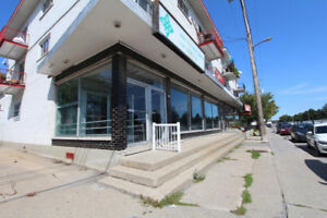 Specious commercial 5650sf retail level on 2 floors