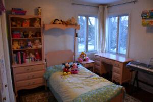 Set de chambre en bois pour fille