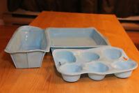 NEW Silicone Baking dishes, set of 3