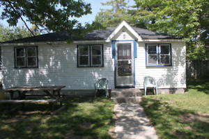 Wasaga Beach 2 bedroom cottage.