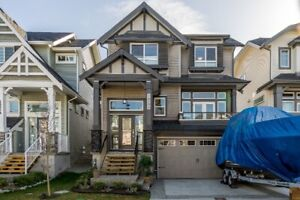 """GORGEOUS  """"SHOWHOME CONDITION"""" 4 BR HOME*"""