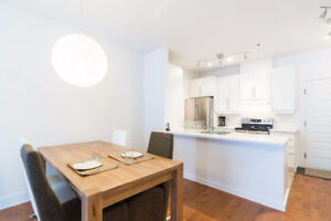 Downtown New Clean Condo Metro, Old Montreal (hydro, wi-fi)