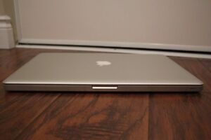 17'' MacBook Pro i7 ** VERY RARE OPPORTUNITY ** save 2000$