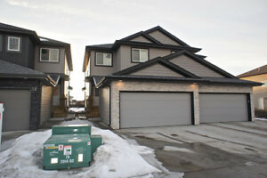 3 Bed 2.5 Bath Double Garage Duplex High End Fort Saskatchewan