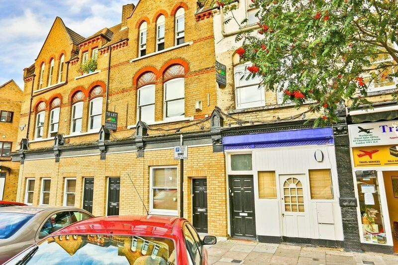 Three double bed flat by Euston - fully furnished
