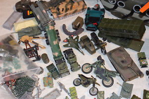 LOT MILITARY VEHICLES - SMALL SOLDIERS - LOTS OF ACCESSORIES Kitchener / Waterloo Kitchener Area image 7