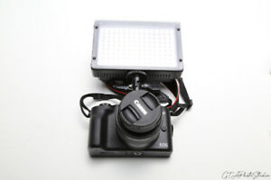 On-Camera LED Light / supports AA & np series batteries / BRAND