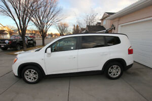 2012 CHEVROLET ORLANDO LT2 **GREAT ON FUEL** SUNROOF 7 PASSENGER